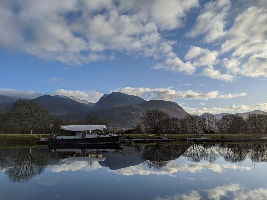 Playground Earth Travel | Caledonian Canal l Canal Boat
