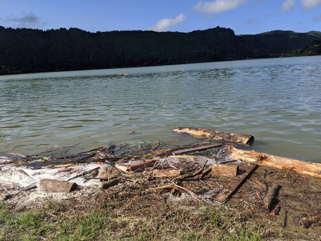 Playground Earth l Aftermath of the storm l South shore of Furnas Lake