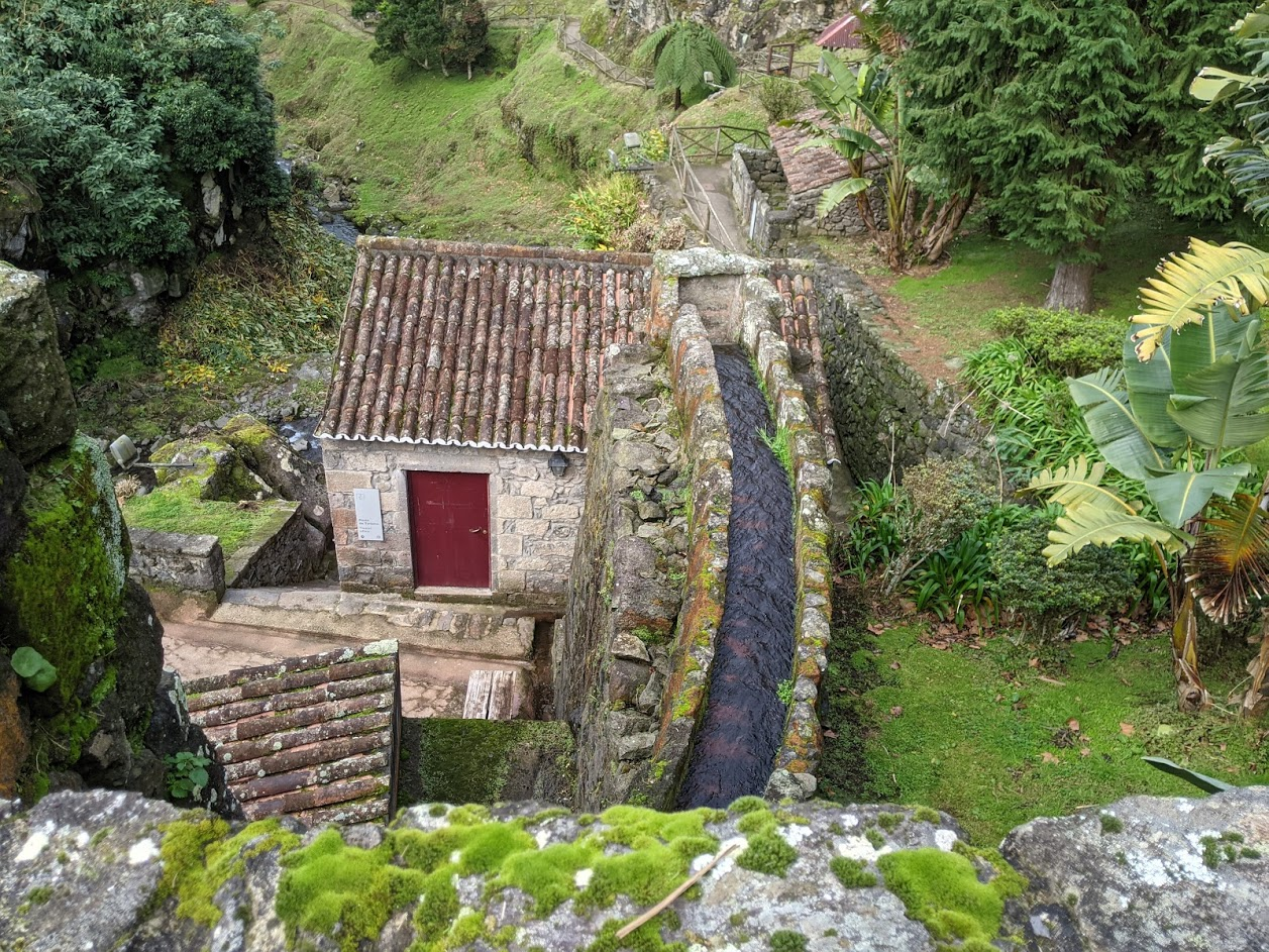 PGE l Ribeira dos Caldeirões l Channel and Millhouse A 400 year old water village