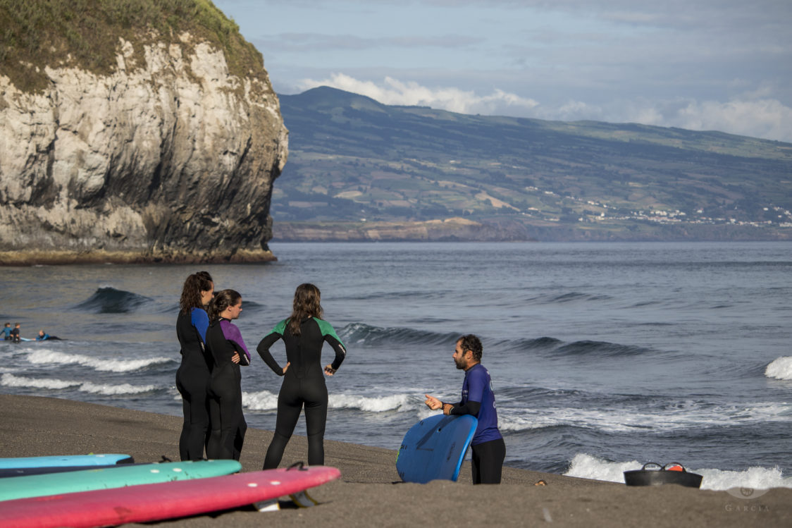 PGE l Azores Surf Center l Ricardo with students